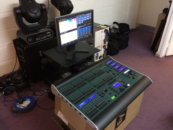 Secondhand Touchscreen with mixing desk