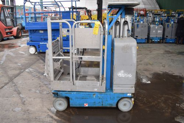 Genie Mast Lift for sale