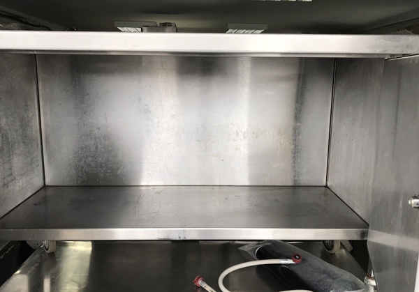Commercial prep table