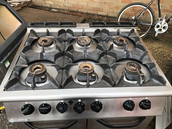 Used gas range cooker