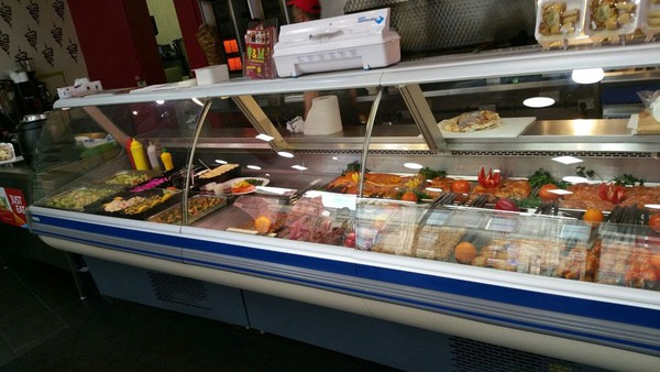 Refrigerated shop counter