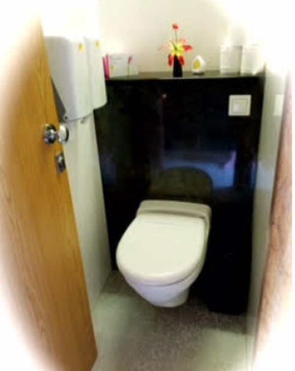 Secondhand toilet trailer for sale