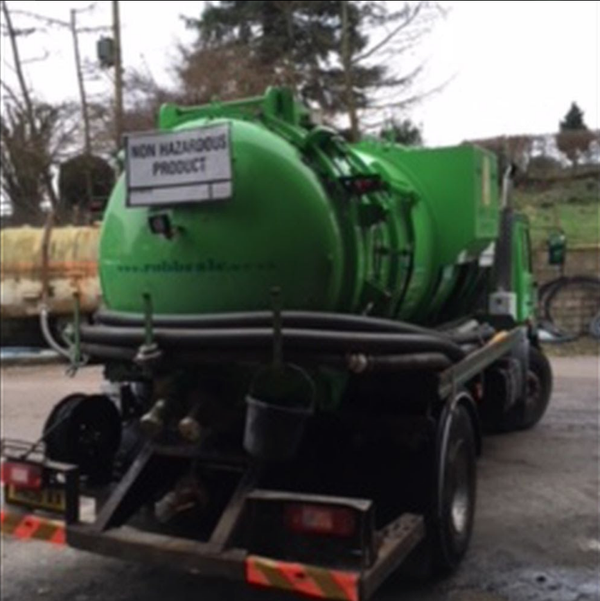 2000Gal vacuum tanker for sale