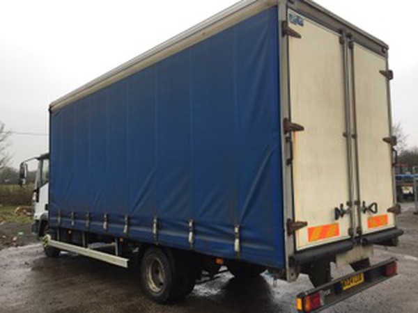 Curtainside lorry for sale