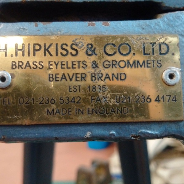 Eyelet and grommet machine for sale