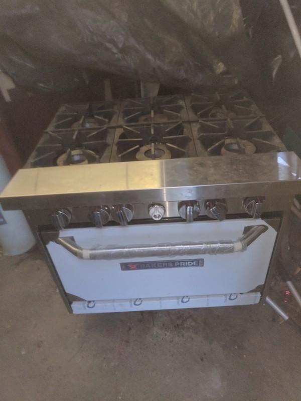 Baker's Pride 6 Burner Nat Gas Oven