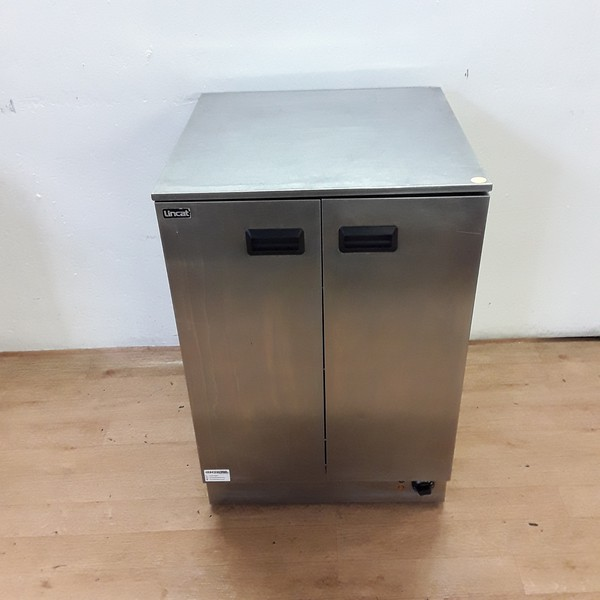 Free standing hot cabinet