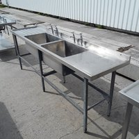 Double bowl sink with double drainer