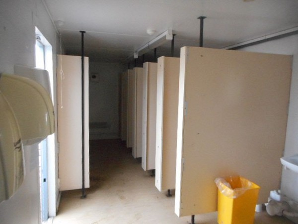 Secondhand 6 + 1 toilet block for sale