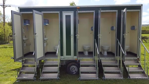 Ten individual loos trailer