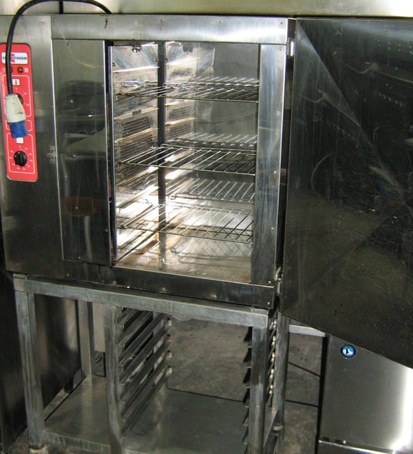 Secondhand electric oven