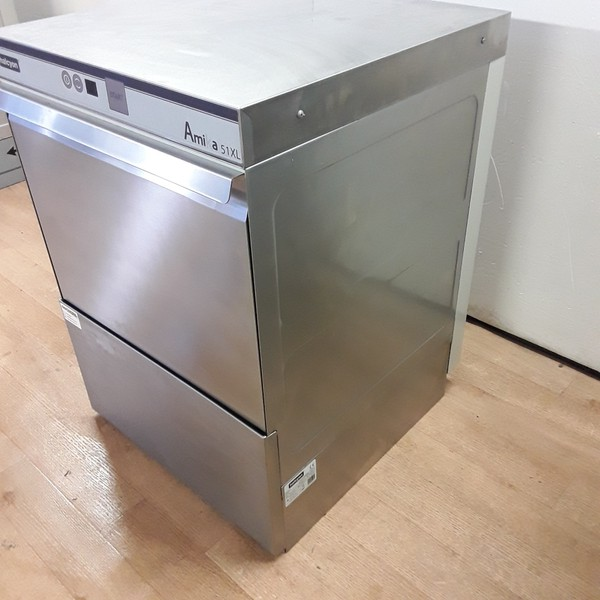 Used glass washer