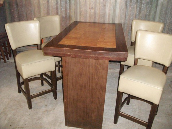 Poseur Table and 4 Chairs (CODE T 1549P)