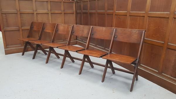 Church pue / bench