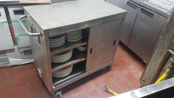 Hot cabinet
