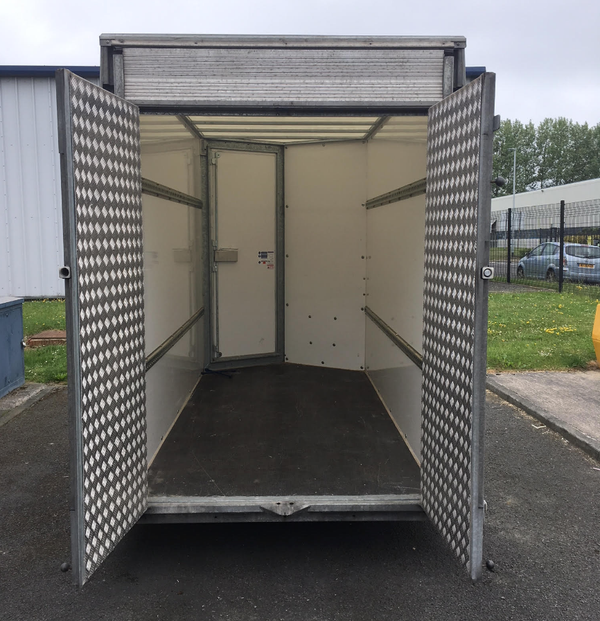 7ft trailer for sale with doors / ramp