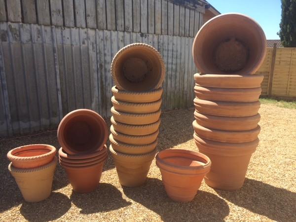 Large resin flower pots