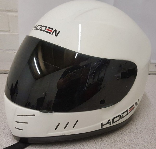 Koden White CMR Crash Helmet Small (56 - 57cm) LARGE used