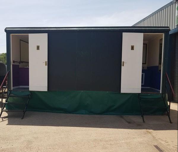 3 + 1 Luxury Toilet Unit