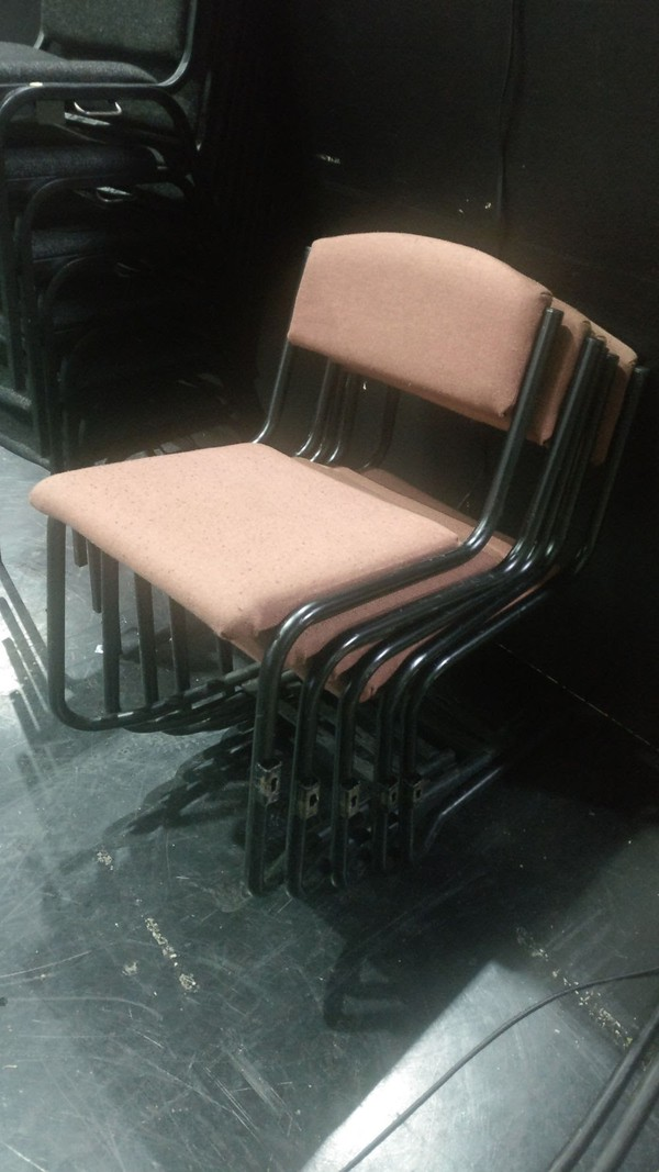72 Linking Chairs