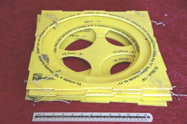 Balloon size gauge