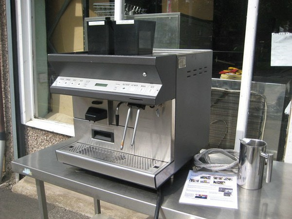 Black & White CTS2 Bean To Cup Coffee Machine