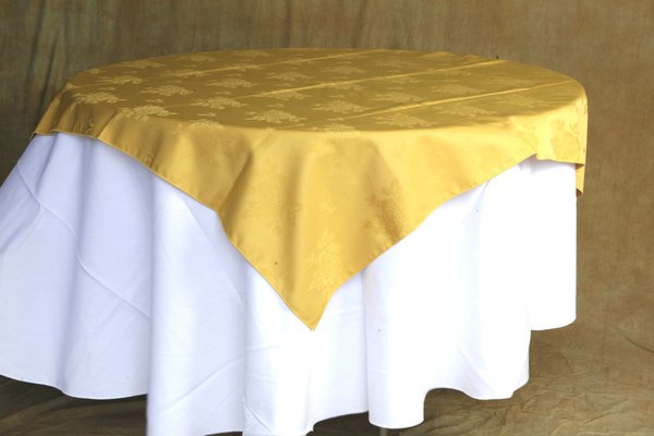 Gold table cloths - Rose pattern