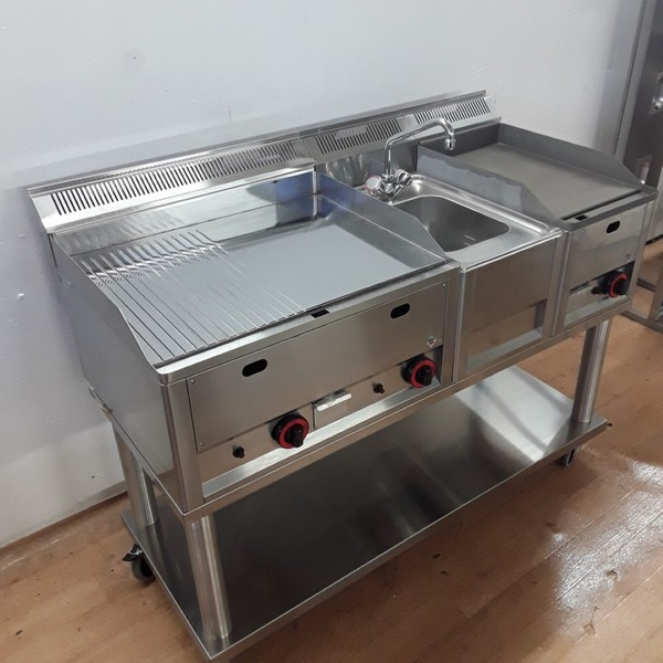 Griddle with sink