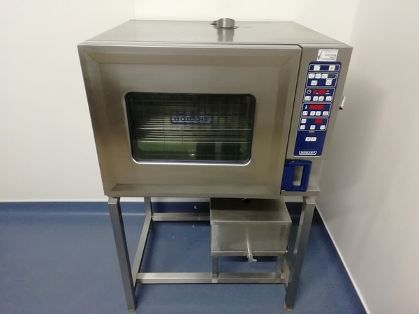 Used 6 grid electric oven