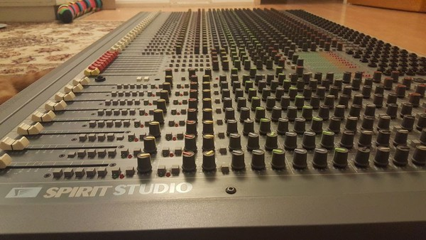Soundcraft mixing desk for sale