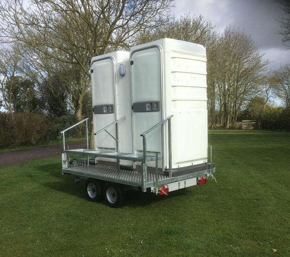 Economy toilet trailer
