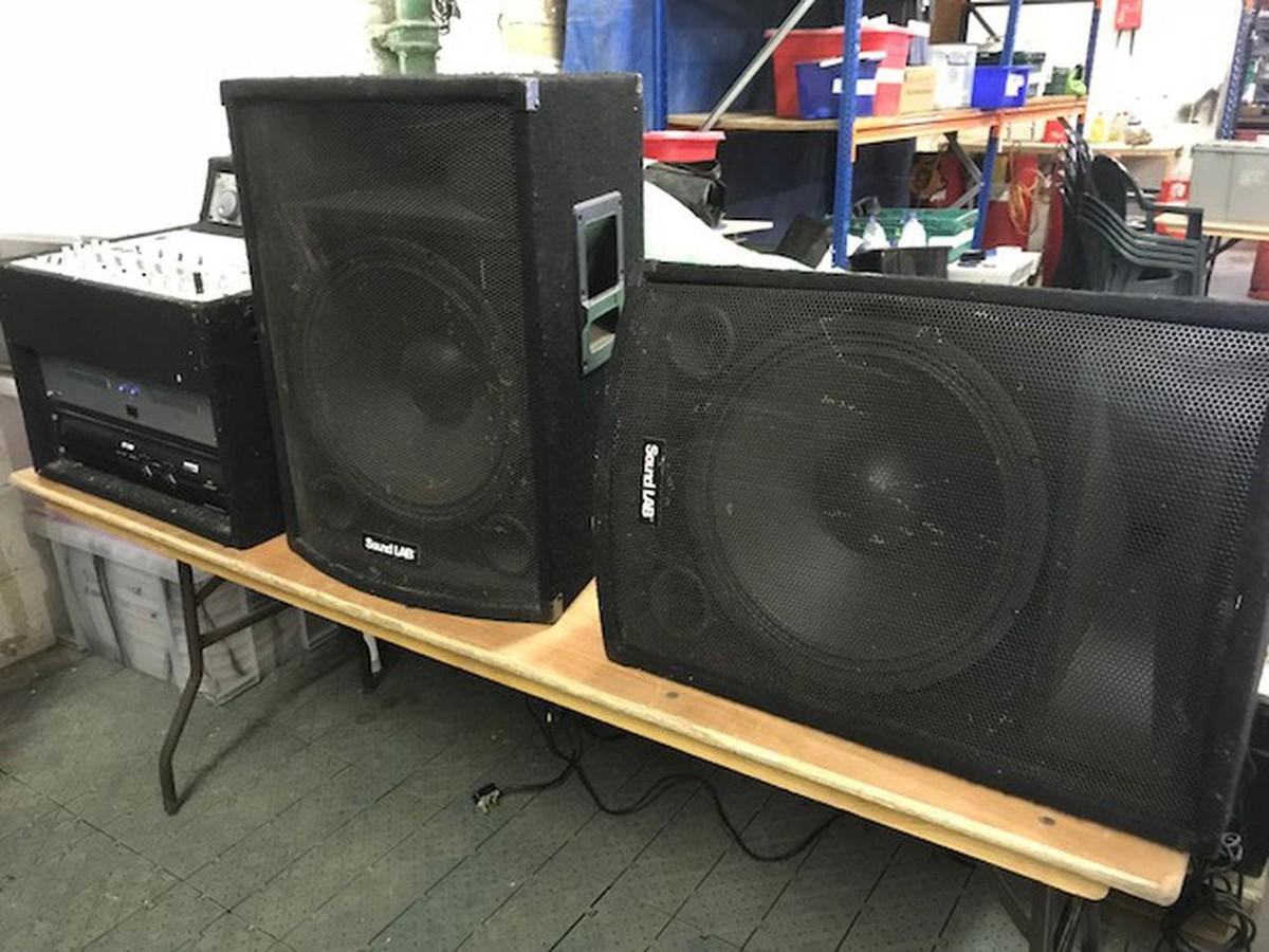 secondhand sound and lighting equipment dj equipment mobile dj box system bingley west. Black Bedroom Furniture Sets. Home Design Ideas