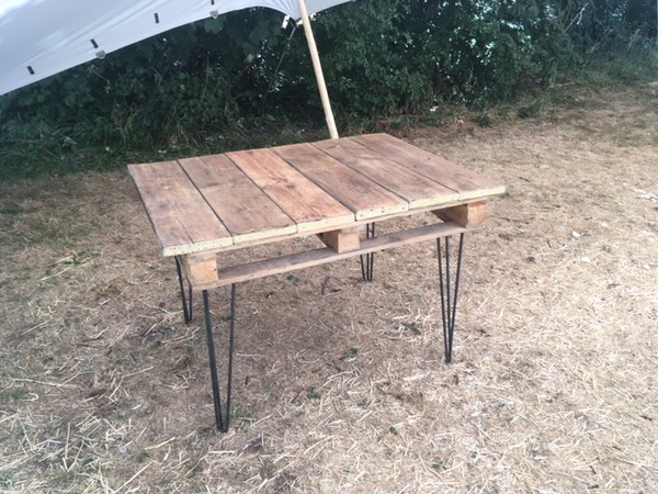 Pallet tables for sale