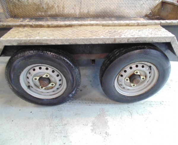 selling 8x 4 plant trailer