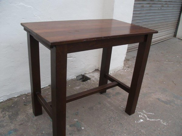 Poseur Table (Code T 1782P)