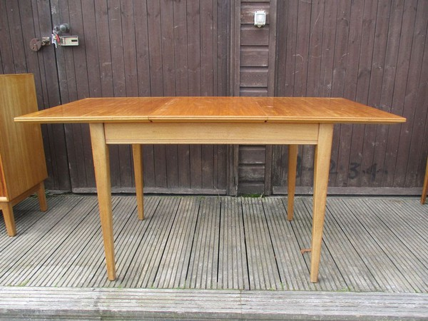 Extending tables for sale