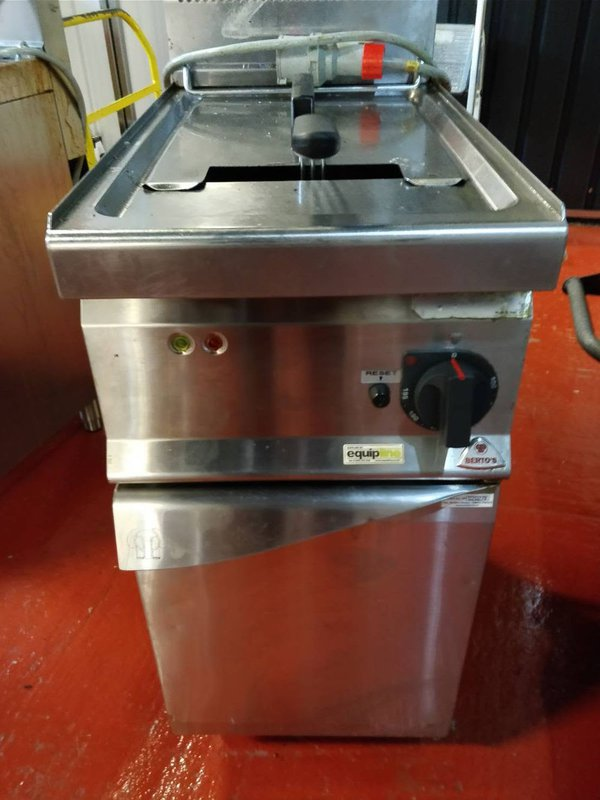 Electric Fryer with Cabinet Single Tank 18L