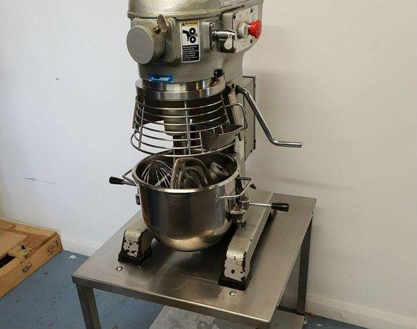 Metcalfe 12qt Mixer