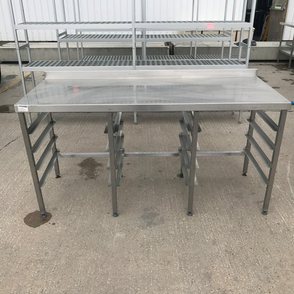 Stainless steel table with cooling racks