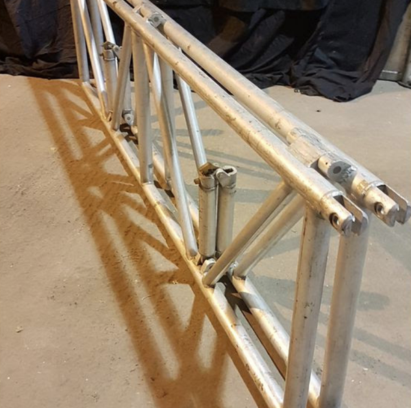 Secondhand truss for sale
