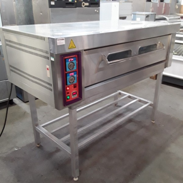 Bread deck pizza oven
