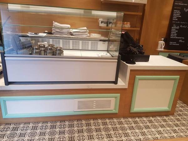 Secondhand display fridge