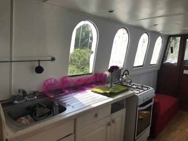 40ft houseboat