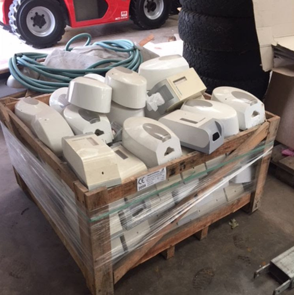 Toilet Tissue Dispensers for sale