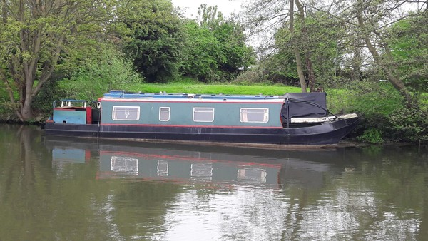 Rustic Narrowboat Liveaboard Houseboat