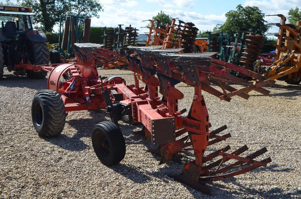 KUHN HUARD 8F WAGON PLOUGH FOR SALE