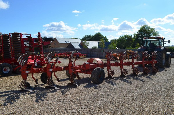SECOND HAND KUHN HUARD 8F WAGON PLOUGH