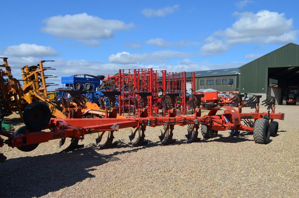 USED KUHN HUARD 8F WAGON PLOUGH