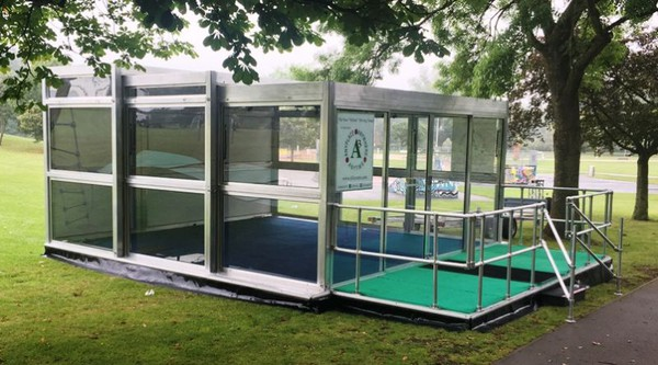6m x 6m slide out show trailer