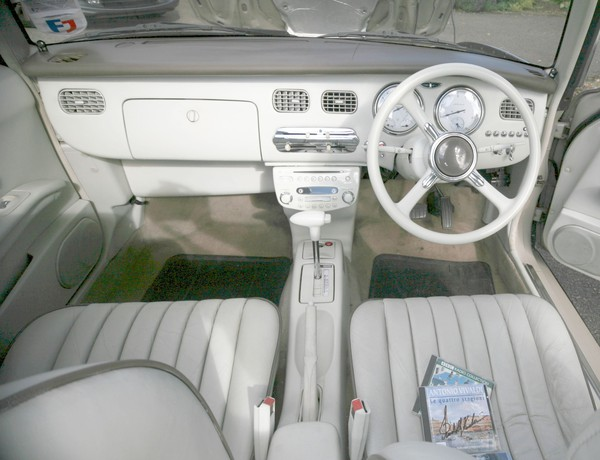 Nissan Figaro 1950/60 drivers seat